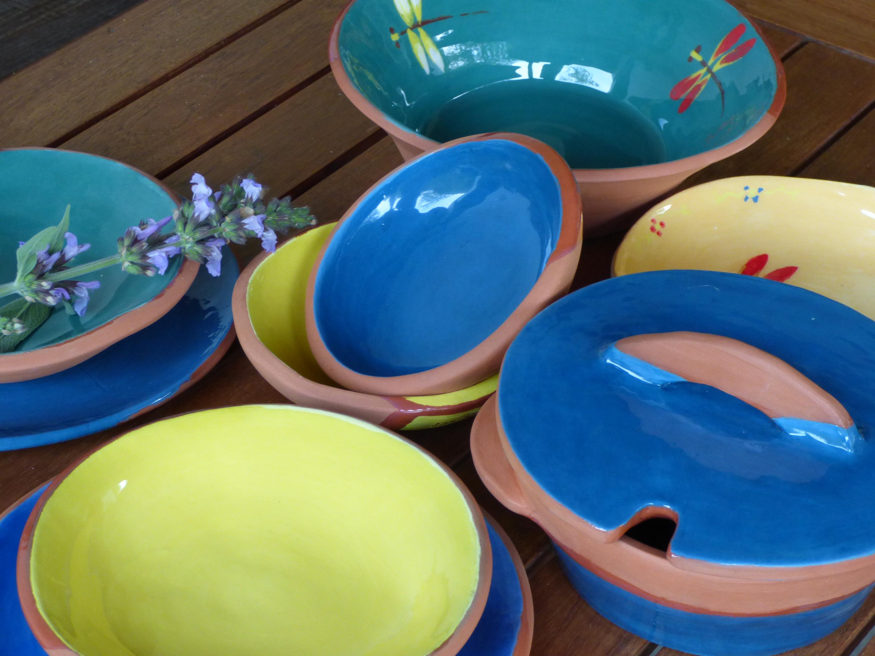 Engobe cer mica los riegos - Platos ceramica colores ...